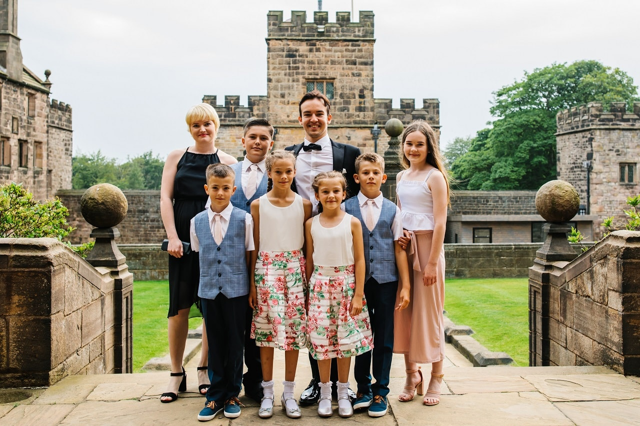 All of the siblings of Cometan. Left to right: Lucia Richardson, Kent Taylorian, Kieran Taylorian, Jay Taylorian, Zara Taylorian, Edie Taylorian, and Charlotte Sophia.