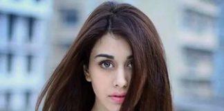Warina hussain career