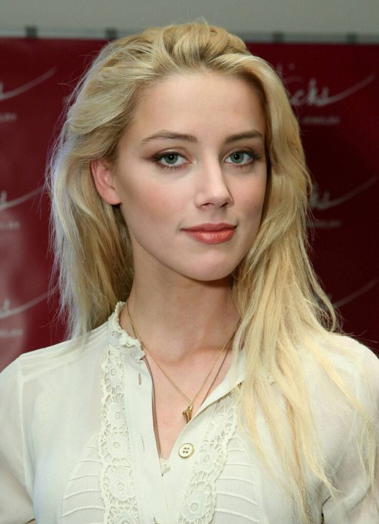 Amber Laura Heard personal life